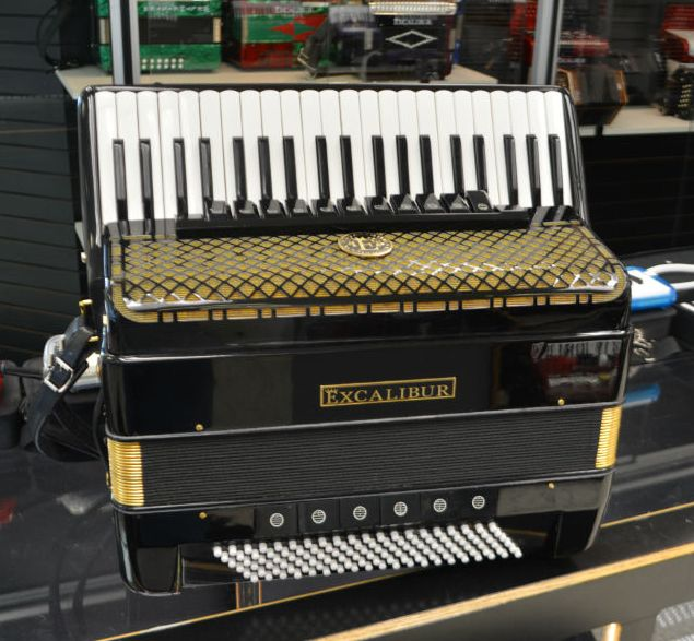 Excalibur Imperial Double Tone Chamber Accordion