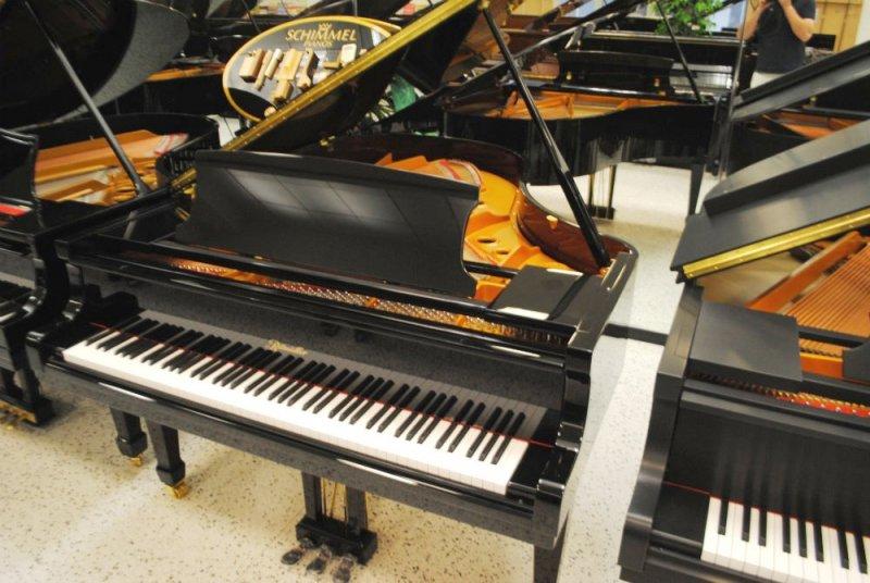 Ritmuller Grand Piano - Ebony Polish