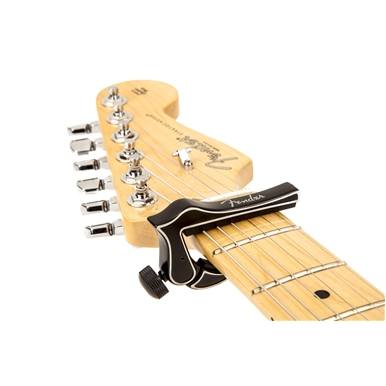 FENDER?? DRAGON CAPO