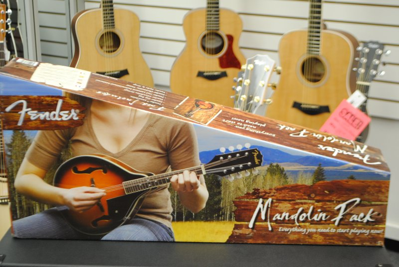 Fender Mandolin Package [Opened Floor Model]
