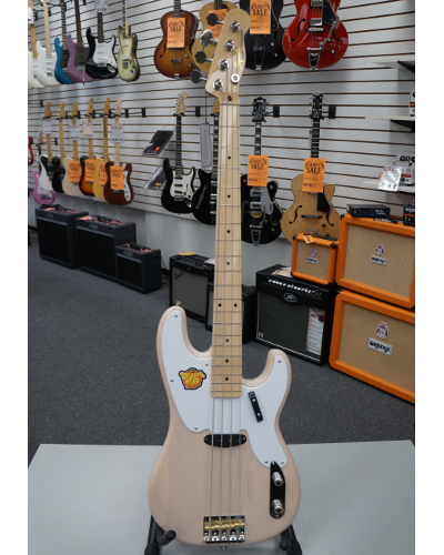 Fender® Classic Vibe Precision Bass® '50s Electric Bass Vintage Blonde