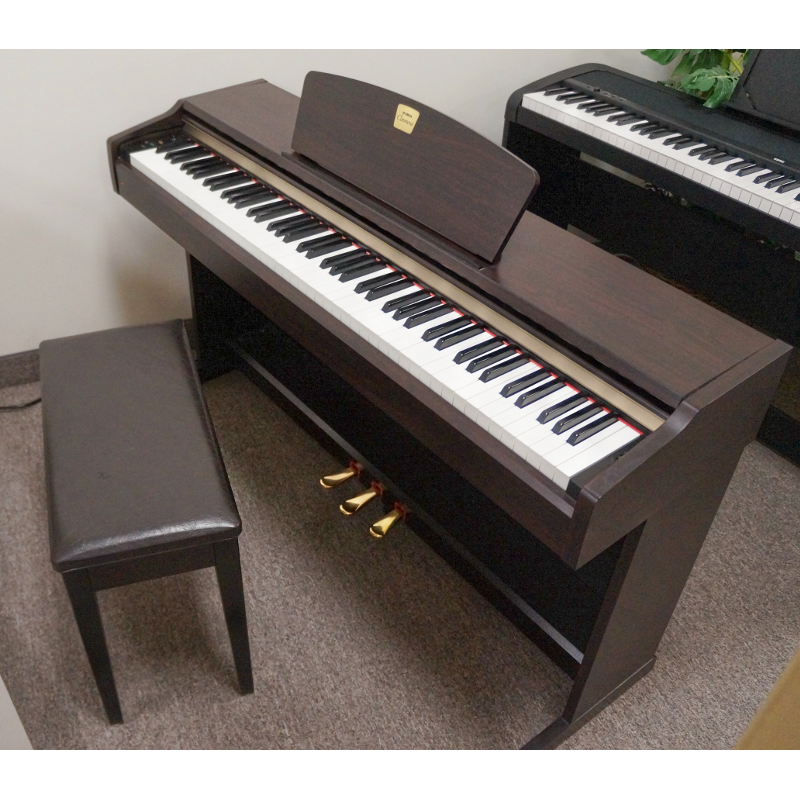 Yamaha CLP-115 Digital Piano