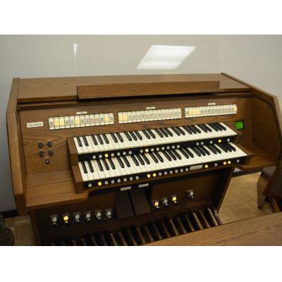 Viscount Church Organ 60 Model