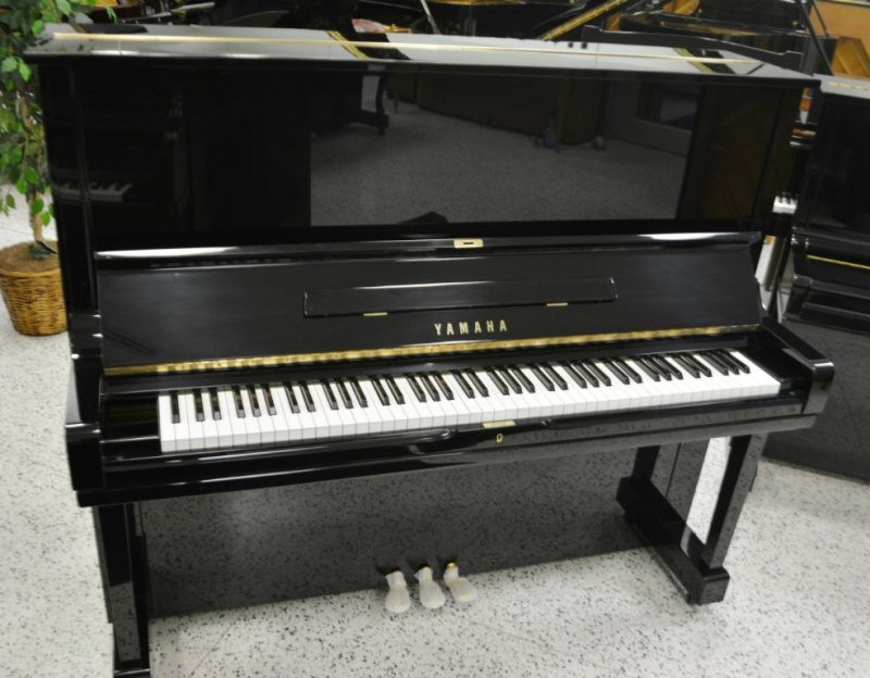 Yamaha U3 Professional Upright Piano (used)