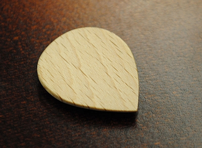 Thicket Wooden Guitar Pick - Steam Beech Wood