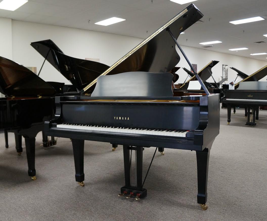 YAMAHA C7 GRAND PIANO EBONY SATIN