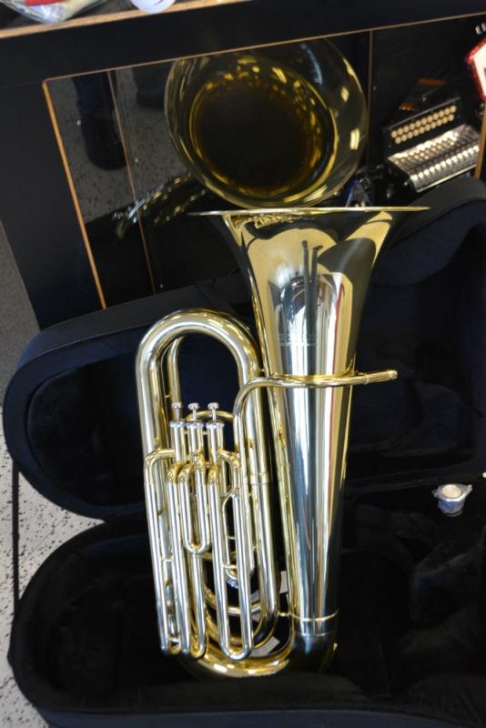 Schiller American Heritage 3 Valve Tuba