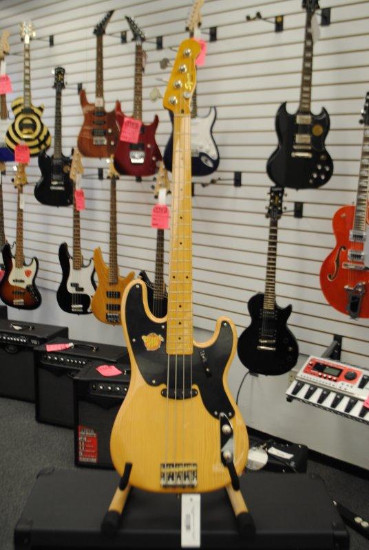 Squier Vintage Modified Precision Bass - Maple