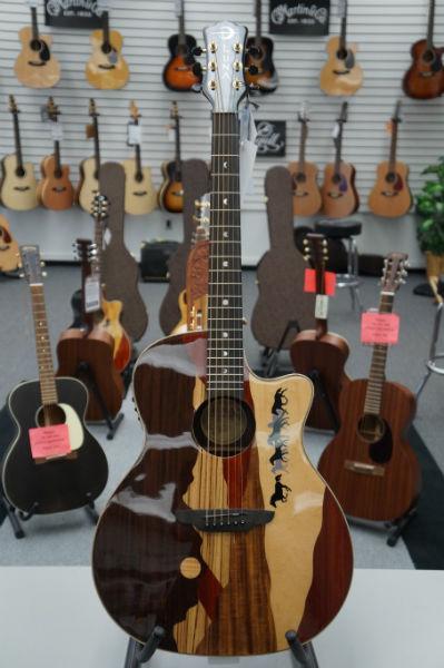 Luna Vista Series Acoustic Guitar - Vista Mustang