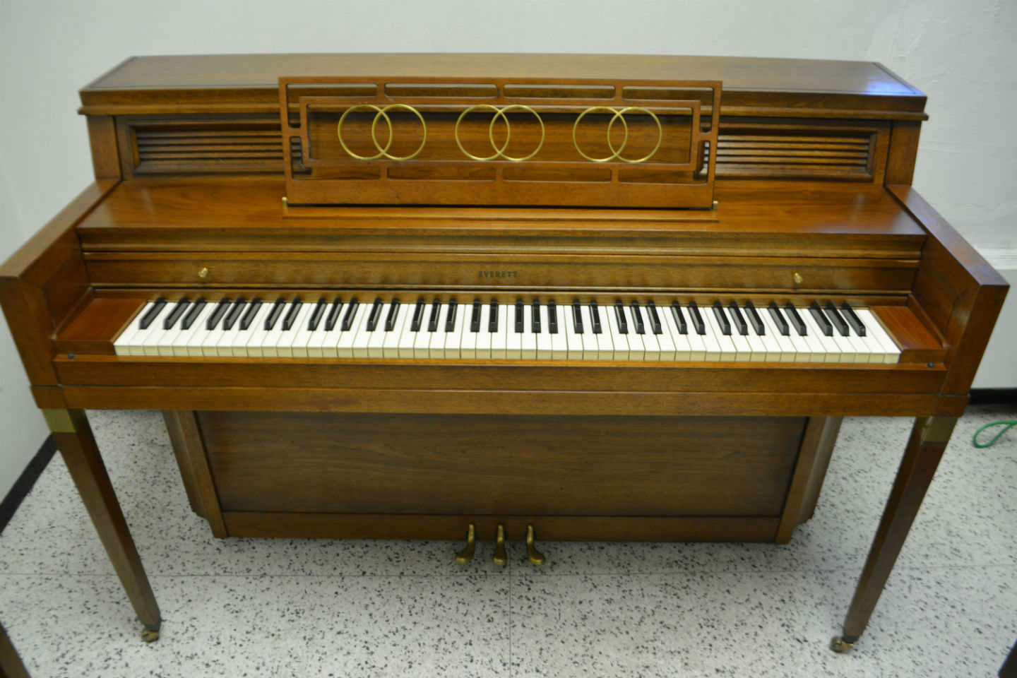 Everett Upright Console Piano