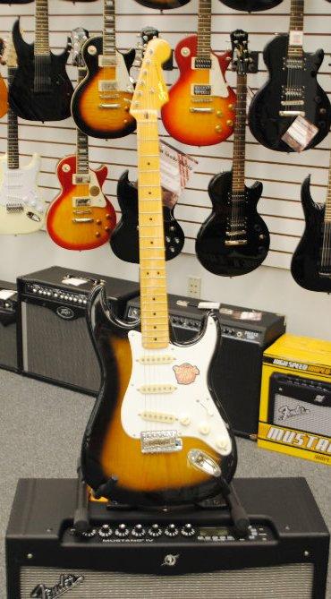 Fender Strat Classic Vibe Tobacco [Demo Model]