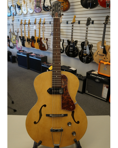 Godin 5th Avenue Kingpin Archtop Acoustic Guitar Natural