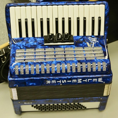 Weltmeister Rubin Piano Accordion 48 Bass Blue