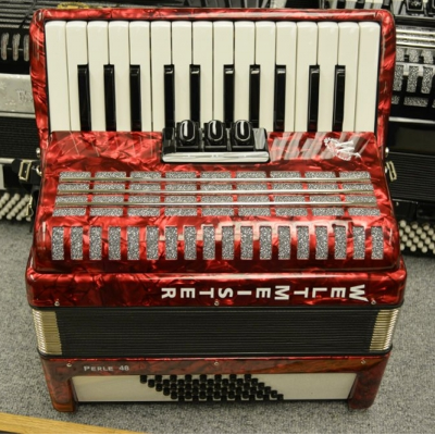 Weltmeister Pearl Piano Accordion 48 Bass Red