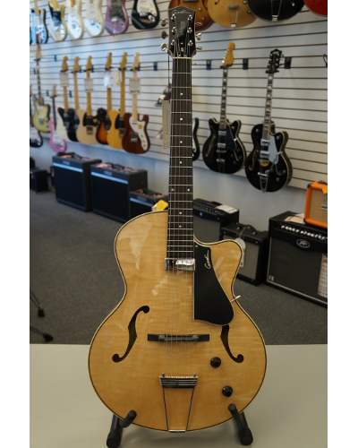 Godin 5th Avenue Jazz A/E Guitar - Flame Maple