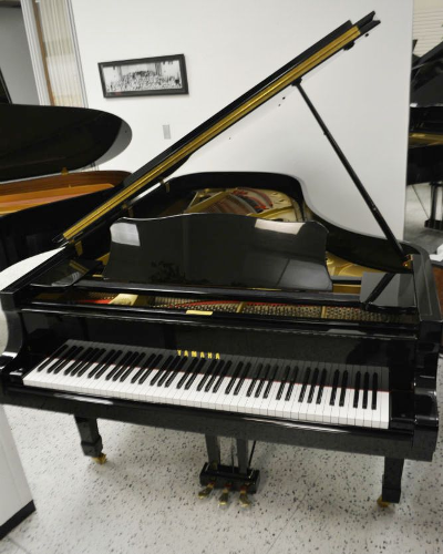 Yamaha C7 Concert Collection Grand Piano Ebony Polish (used)