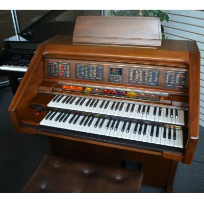 Lowrey Heritage Organ