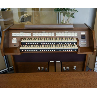 Viscount Deluxe Chorum 60 Organ