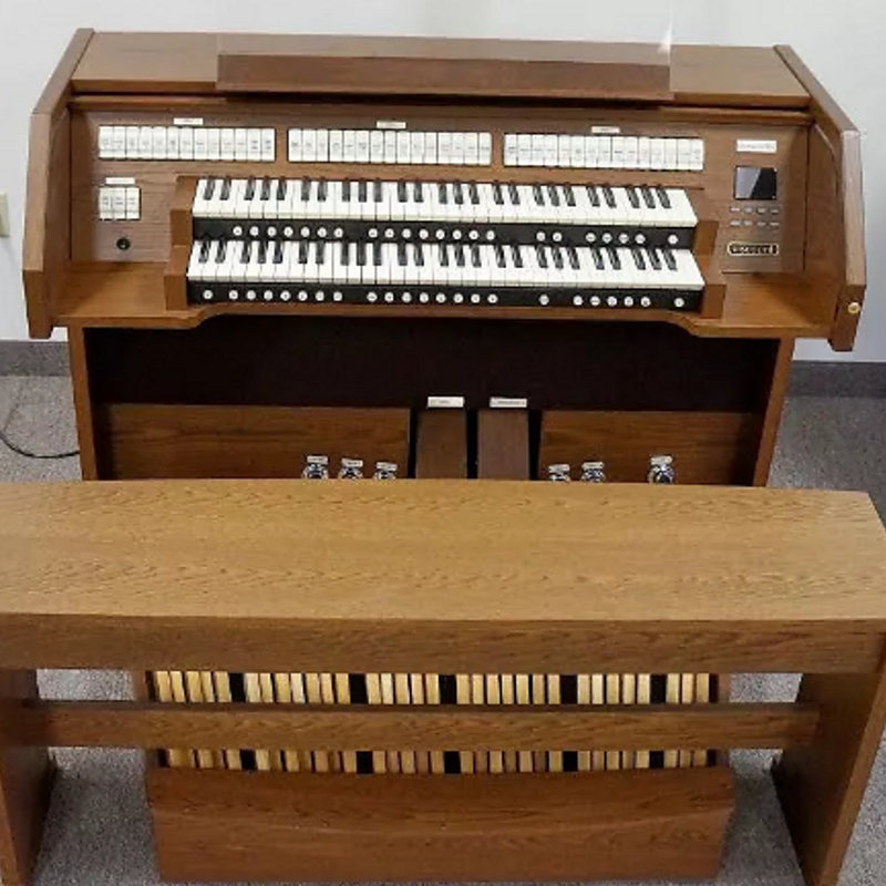 Viscount Chorum 60 Church Organ - American Oak