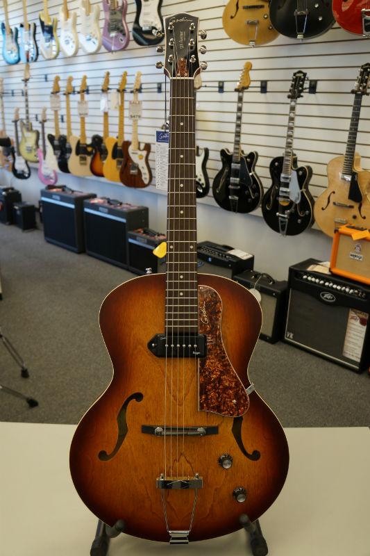 Godin 5th Ave Kingpin P90 Jazz-Style A/E Guitar - Cognac Burst