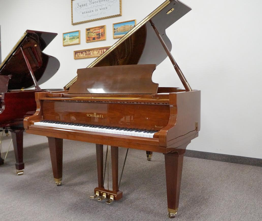SCHIMMEL GRAND PIANO 5'10 WALNUT POLISH
