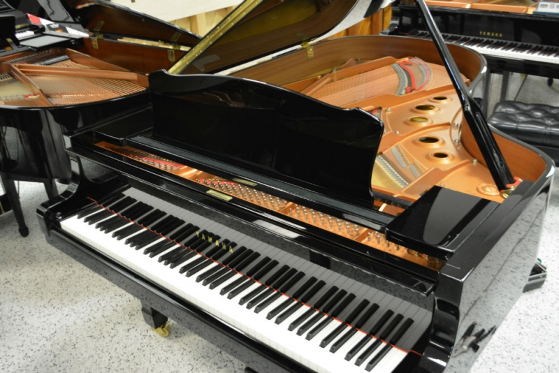 Yamaha C5 Grand Piano (used)