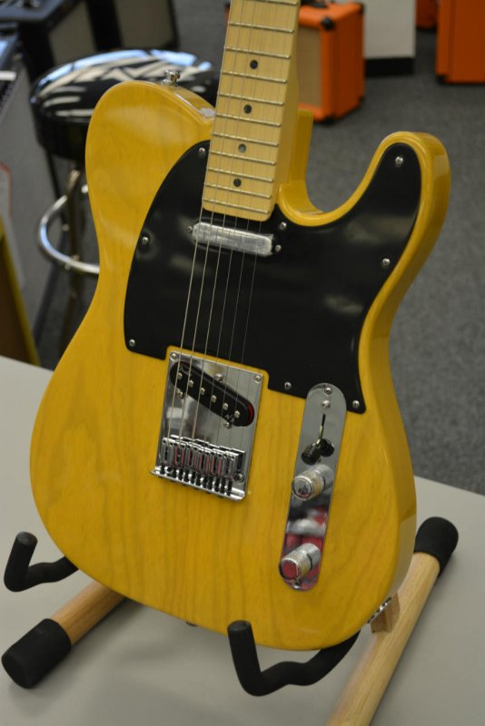 Fender American Deluxe Telecaster Ash Electric Guitar Butterscotch Blonde