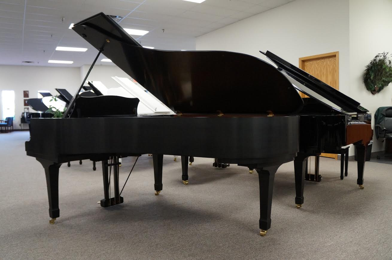 YAMAHA C7 GRAND PIANO EBONY SATIN