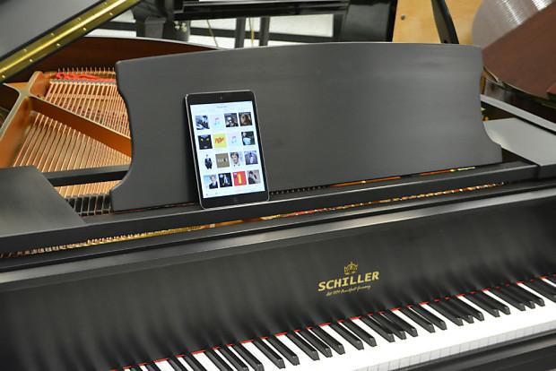 Schiller Leipzig Ebony Satin IPAD Player