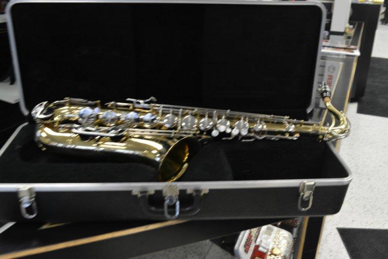 Selmer Bundy II Tenor Saxophone