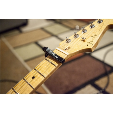 FENDER® DRAGON CAPO