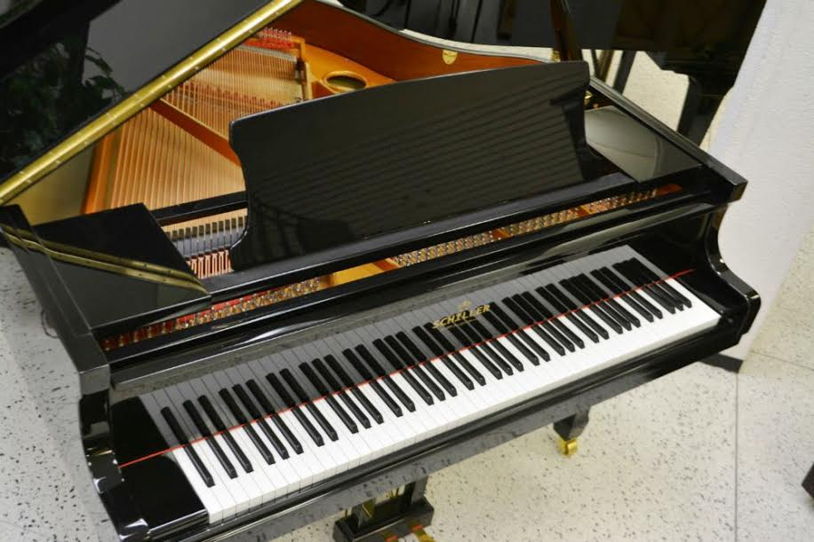 Schiller Baby Grand Piano iQ PAD Player System - Black Polish