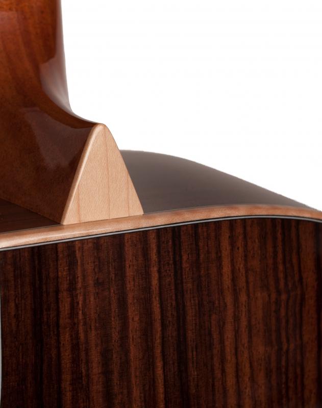 Larrivée P-09 Artist Series Acoustic Guitar