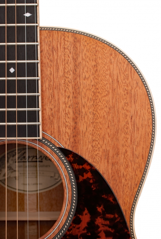 Larrivée 000-40MT Legacy Series Acoustic Guitar