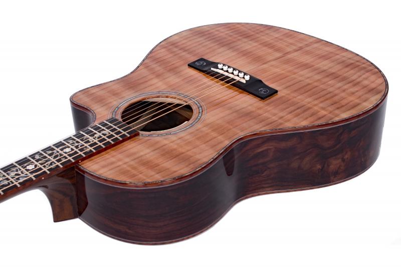 Larrivée LV-10 Sinker Redwood Top Acoustic Guitar