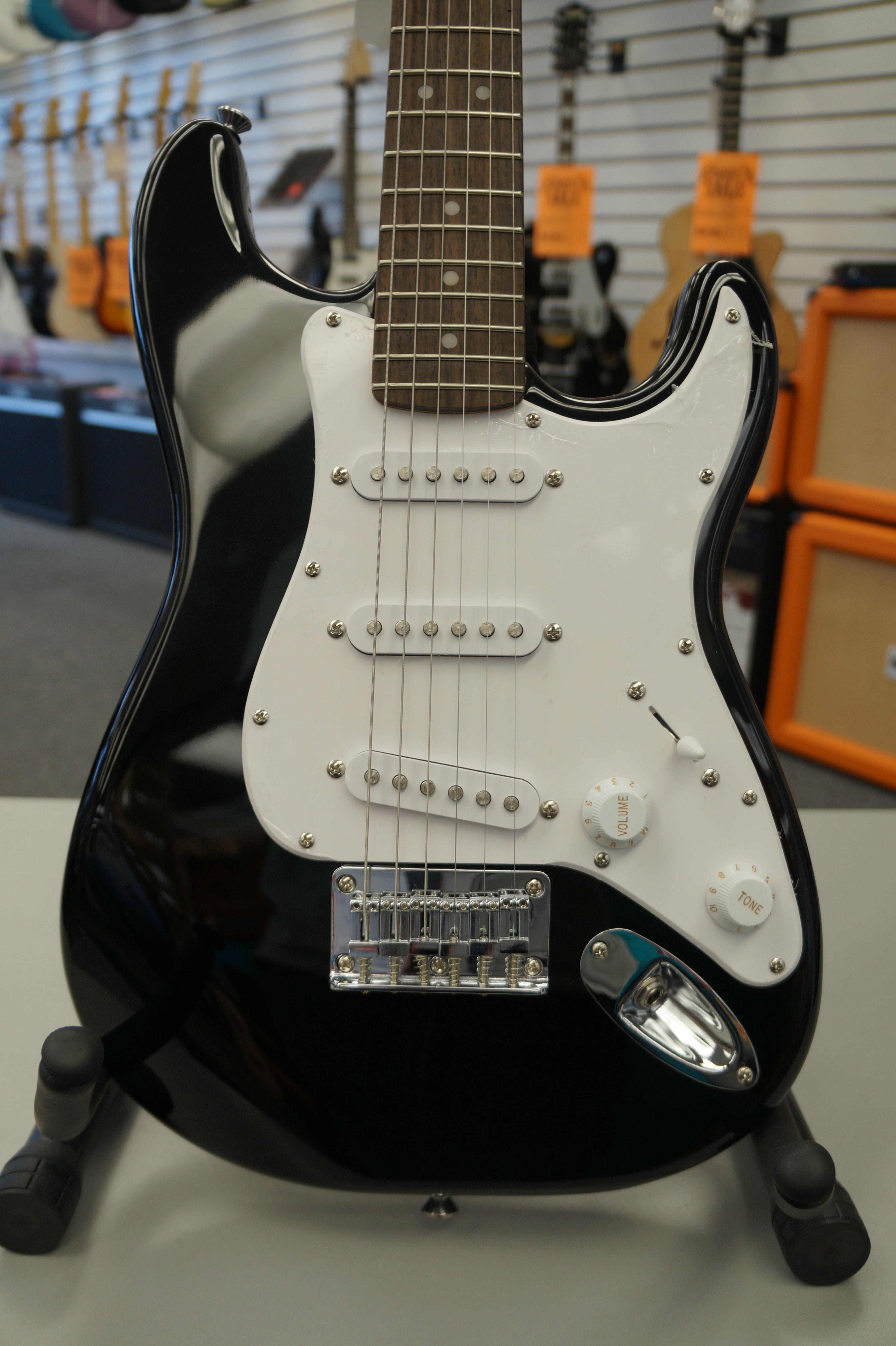 fender squier mini strat beginner electric guitar black jim laabs music store. Black Bedroom Furniture Sets. Home Design Ideas