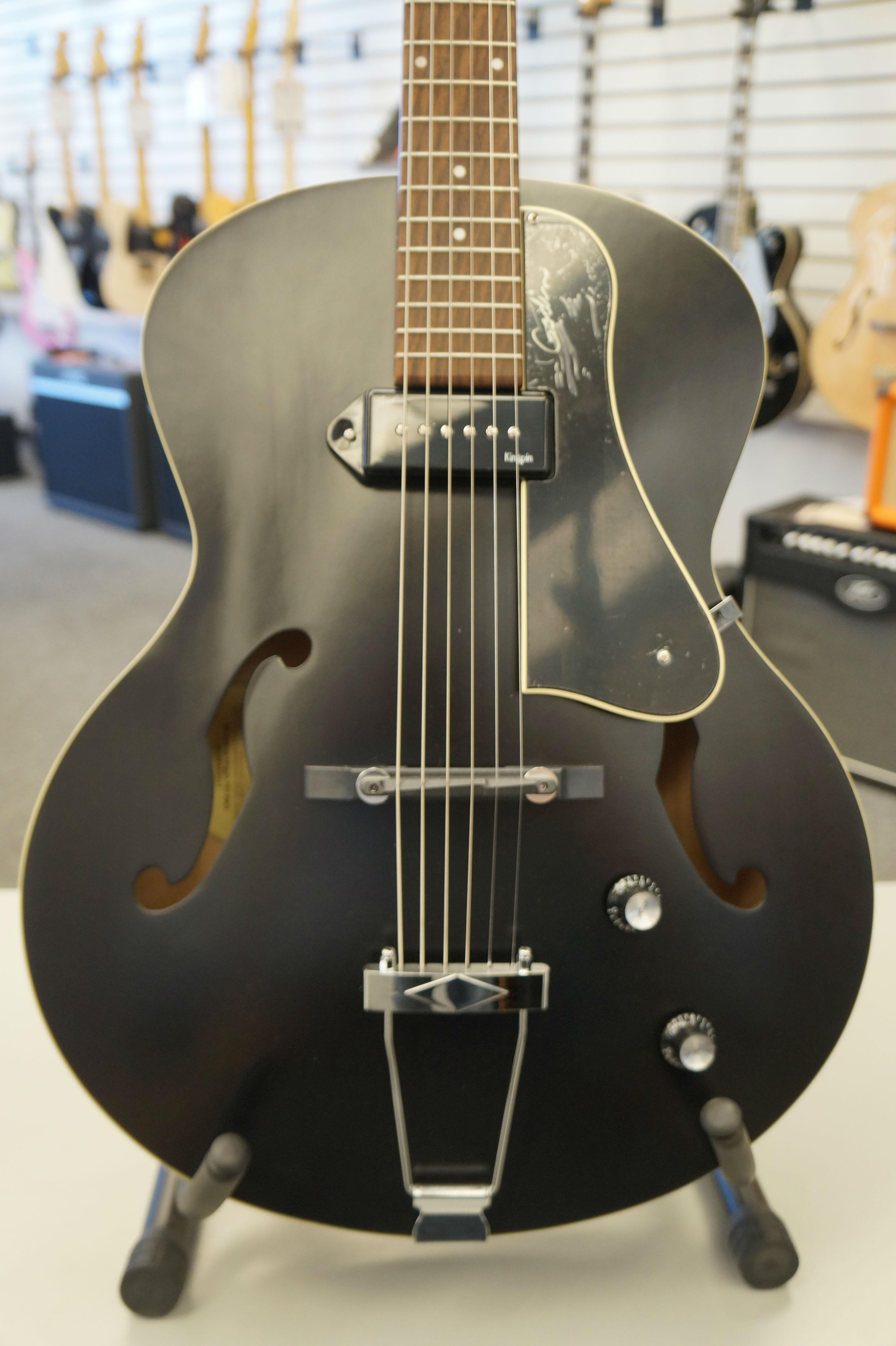 Godin 5th Avenue Kingpin Archtop Acoustic Guitar Black