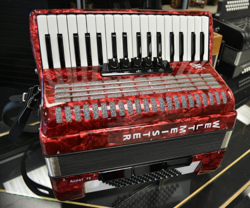 Weltmeister Achat 72 Bass Piano Accordion Red Polish