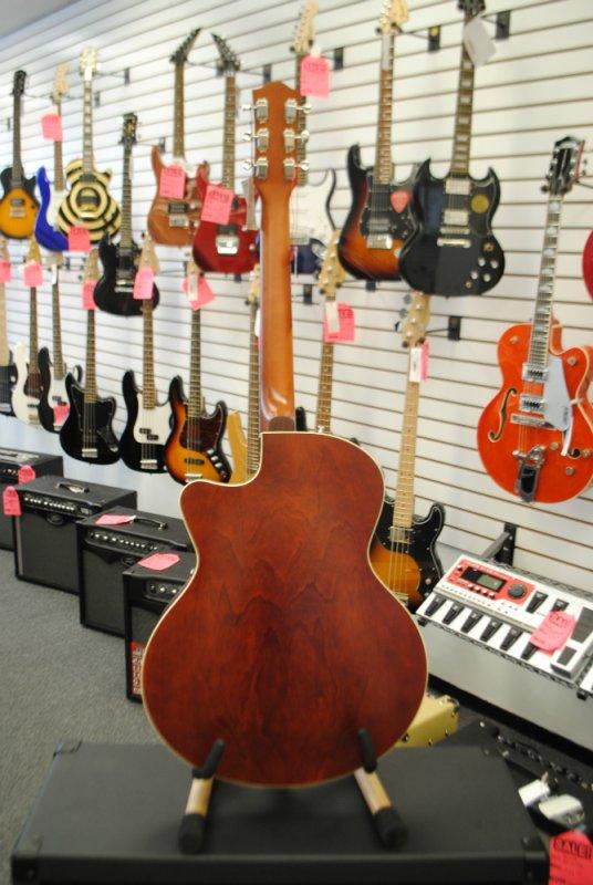 Godin 5th Ave Composer Guitar