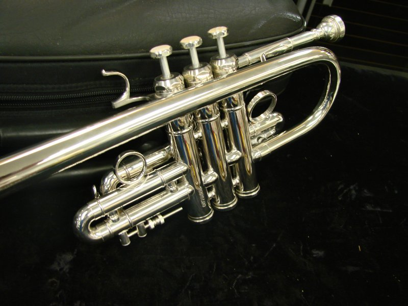 Schiller D/Eb Trumpet-Silver Plated-Floor Model