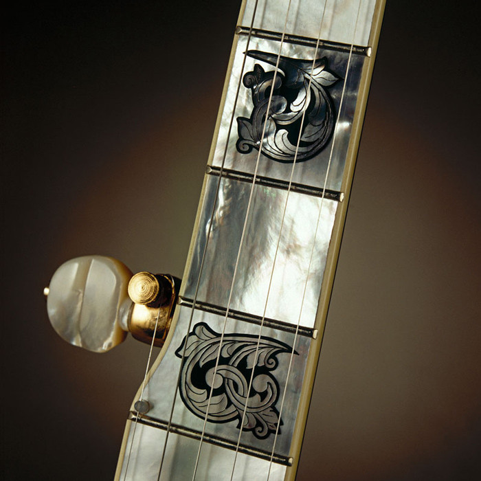 Deering Gabriella™ 5-String Banjo in Curly Maple