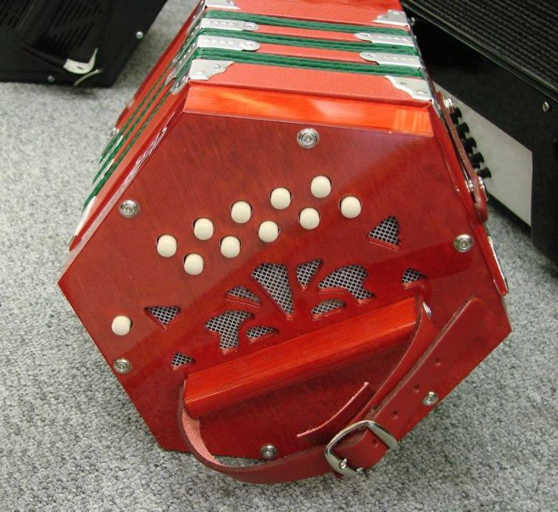 Stagi B-1 Concertina
