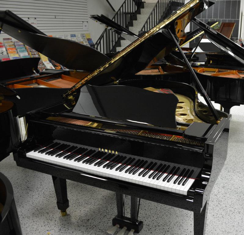 Used yamaha c3 grand sale 11 980 jim laabs music store for Yamaha c3 piano dimensions