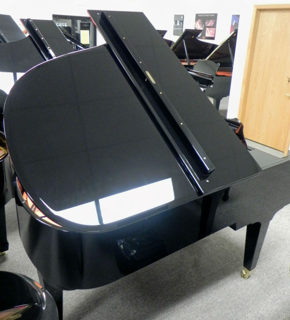 SCHIMMEL 6 FT INTERNATIONAL GRAND - AS NEW CONDITION - BLACK POLISH FINISH - 5 YEAR WARRANTY -