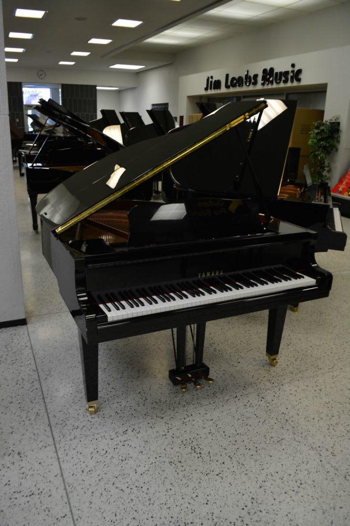 YAMAHA GB1 BABY GRAND - LIKE NEW CONDITION RICH - FREE PROJECTING SOUND