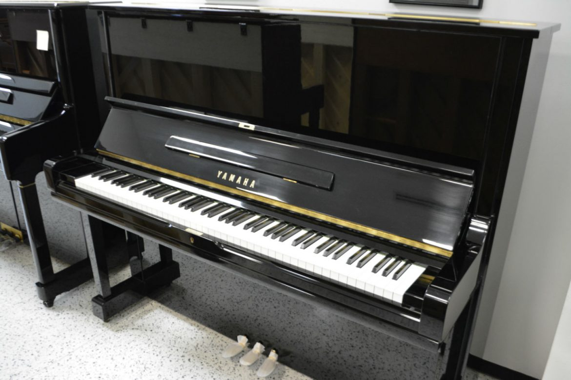 Yamaha U3 Upright Piano - Black Polish
