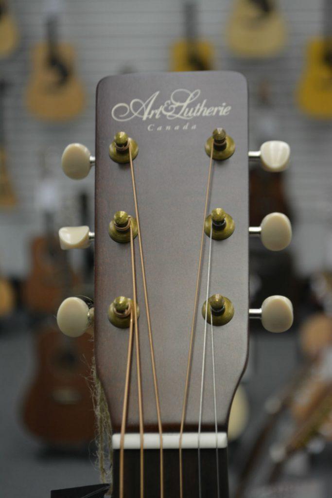 Art & Lutherie Americana Bourbon Burst CW QIT Acoustic-Electric Guitar