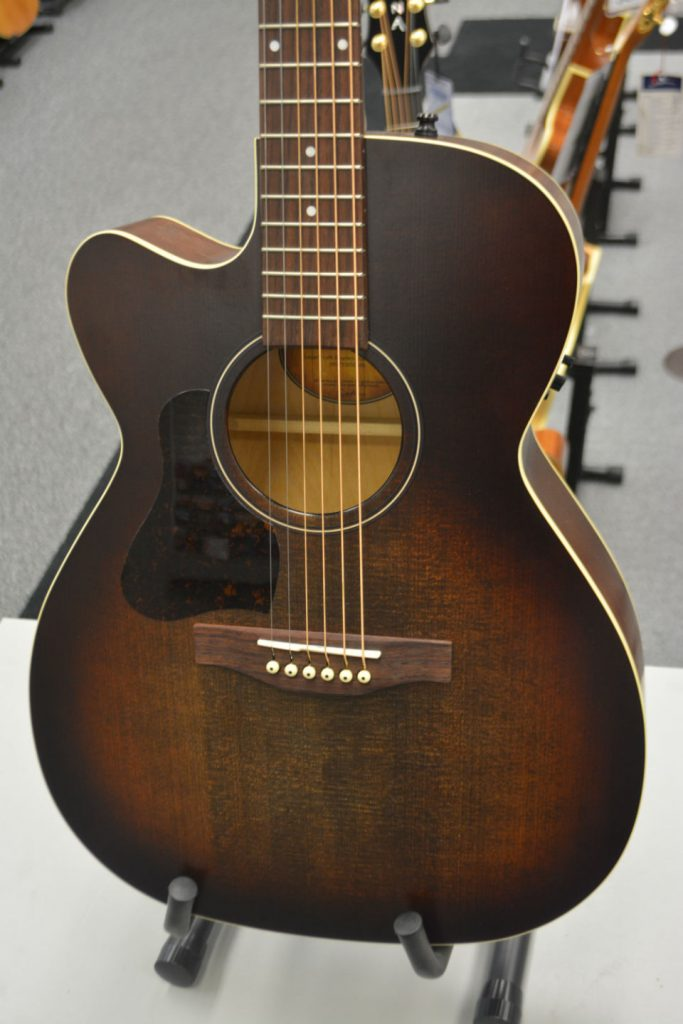 Art & Lutherie Legacy Left CW QIT Bourbon Burst Left-Handed Acoustic-Electric Guitar