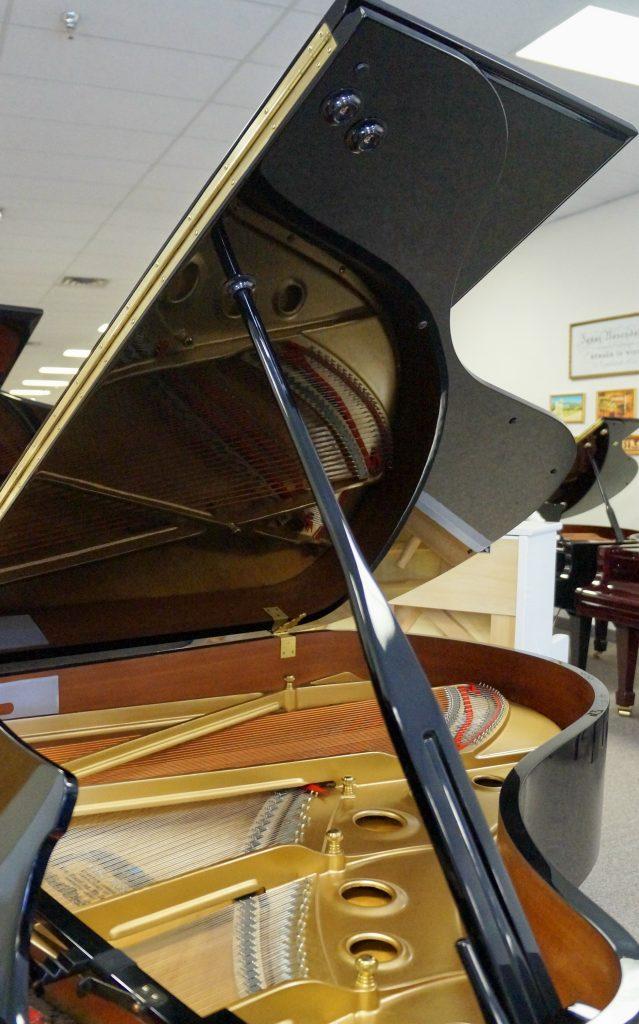 Kawai RX5 Grand Piano