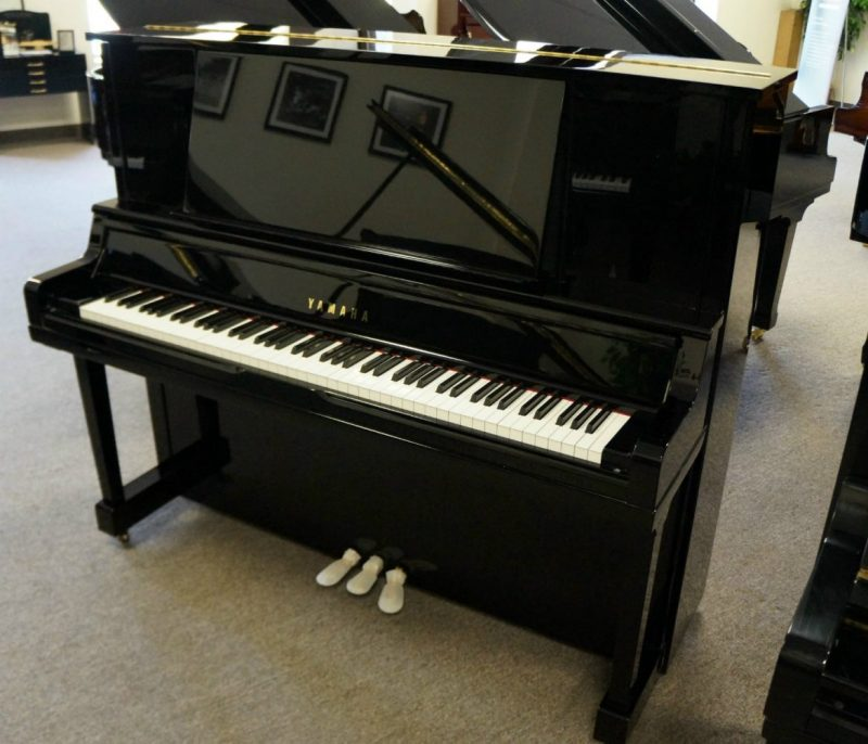 Yamaha UX30 Upright Piano